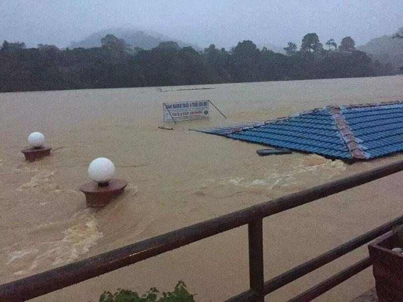 Taman_Negara_floods_231214